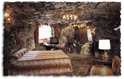 Suite Caveman en el Madonna Inn