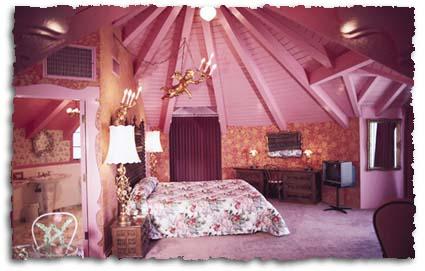 Suite Carin en el Madonna Inn