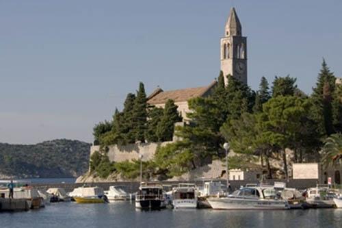 monasterio-franciscano en Lipoud