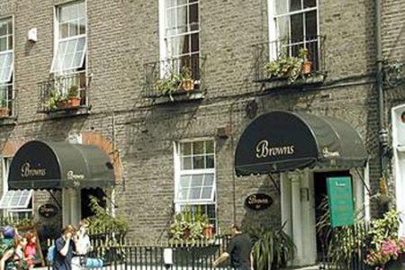 Browns Hostel, alojamiento económico en Dublin