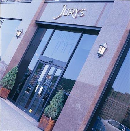 hotel-jurys-inn
