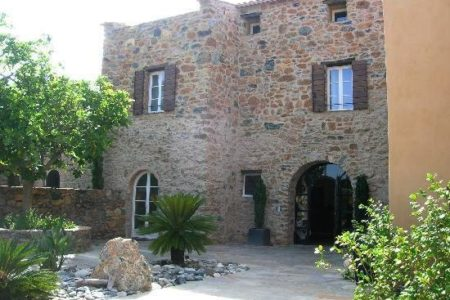 La Dimora, un hotel con encanto en Córcega