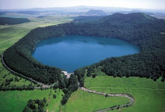 lago-pavin