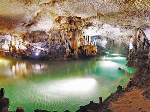 gruta-de-jeita-1