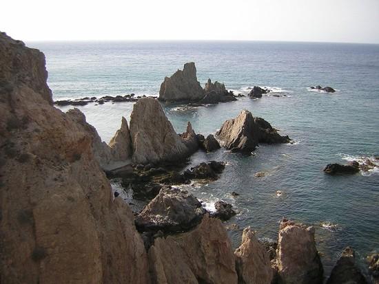 Mar y sierra en el Parque Natural Cabo de Gata