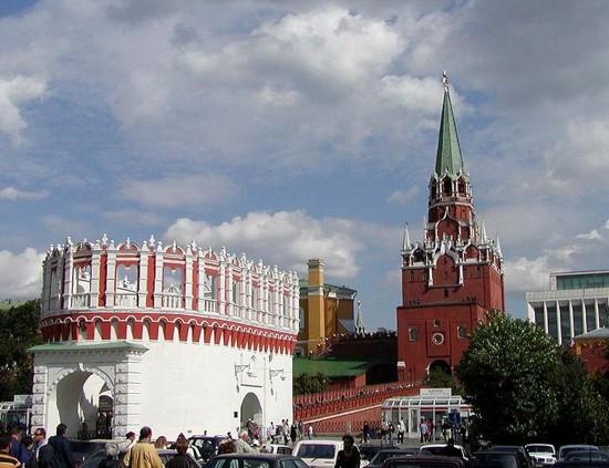 el-kremlin-y-las-torres-de-troitskaya