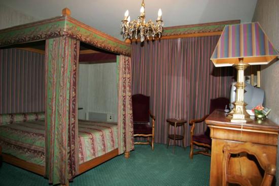 habitacion-del-hotel-tres-mosqueteros