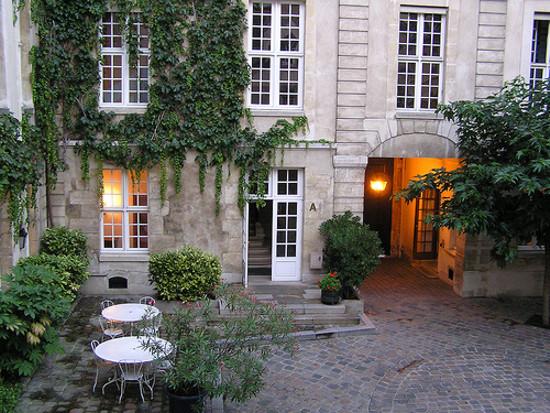 patio-hotel-mije
