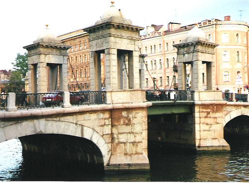 puente-lomonsov