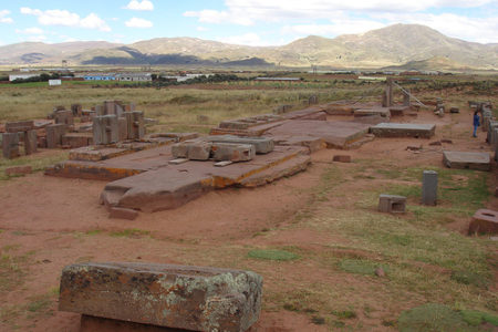 Pumapunku, uno de los misterios de Tiwanaku
