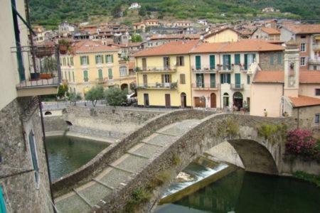 Casetta di Vale, estilo medieval en Liguria