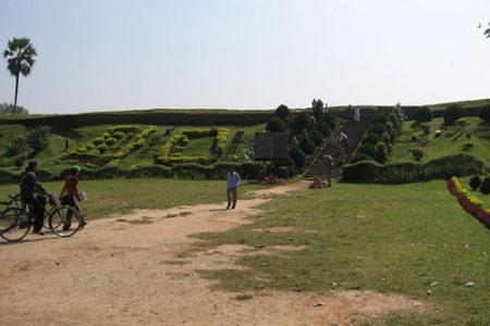 Las ruinas de Mahasthangarh, en Bangladesh
