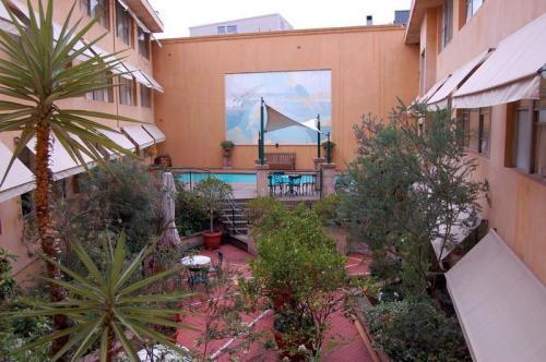 hotel-arts-2