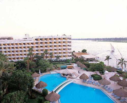 hotel-pyramisa-isis-luxor-1