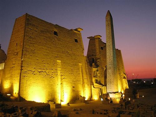 obelisco-luxor