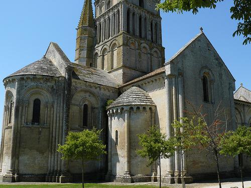 iglesia-de-san-pedro-aulnay