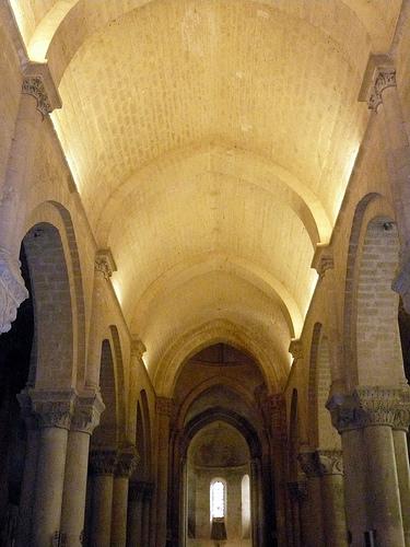 iglesia-san-pedro-aulnay-2