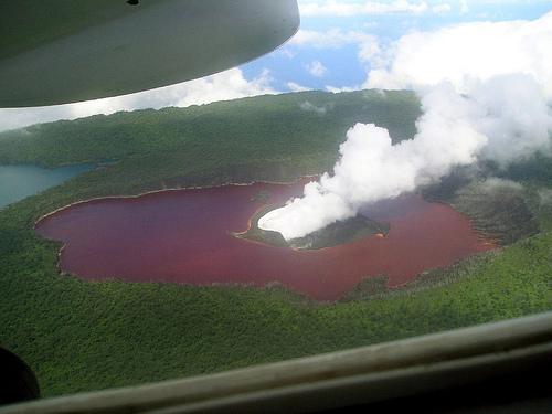 lago-manaro-volcan-ambae