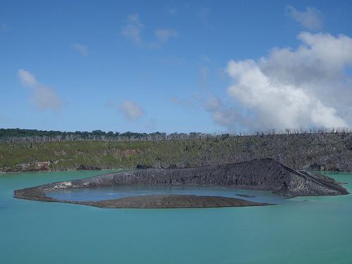 lago-vui-volcan-ambae