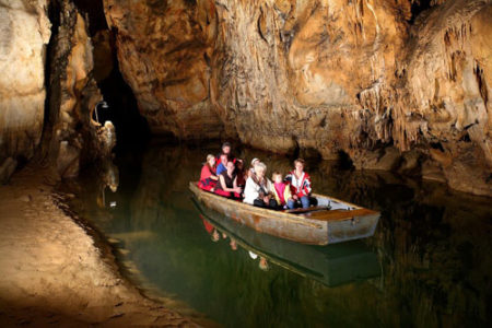 La impresionante Cueva Domica, en Eslovaquia