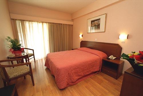 economy-hotel-2
