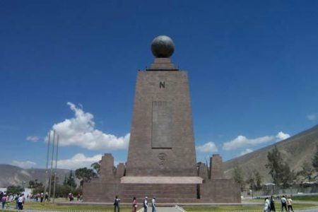 Monumento Mitad del Mundo, en Ecuador