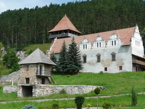 castillo-lazar-1