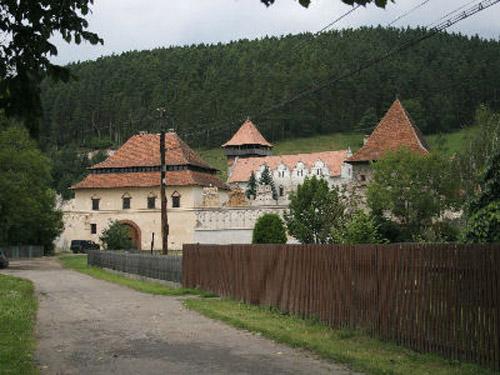 castillo-lazar-2