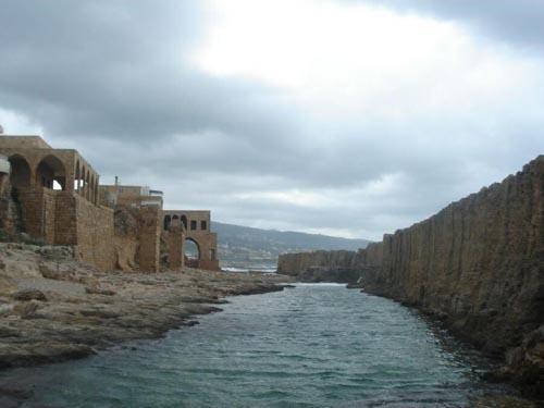 muralla-fenicia-batroun