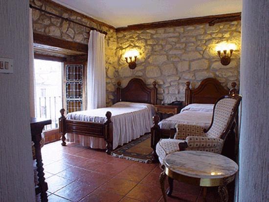 habitacion-hotel-tres-coronas
