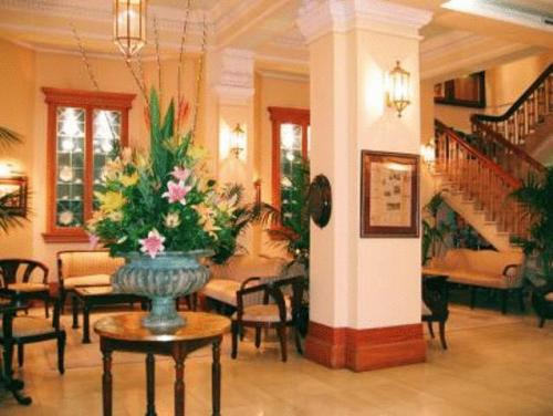 hotel-castlereagh