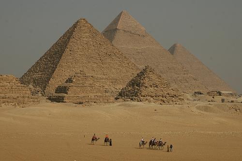piramides-de-gizeh