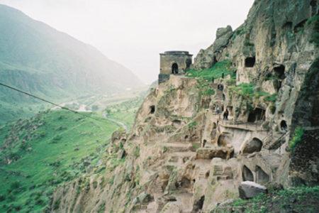 Vardzia, una ciudad en las cuevas de Georgia