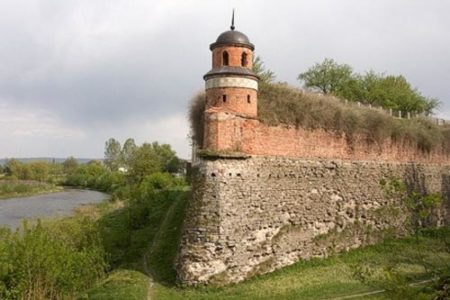 Dubno, un gran castillo de Ucrania