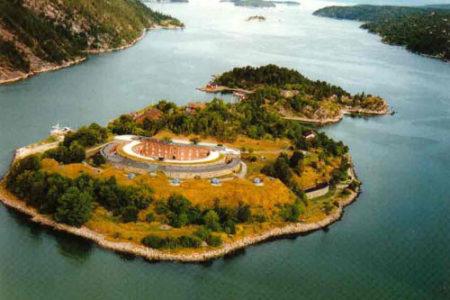 La imponente Fortaleza Oscarsborg, en Noruega