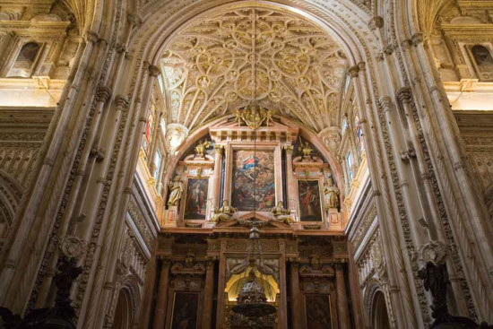 interior-catedral-de-cordoba