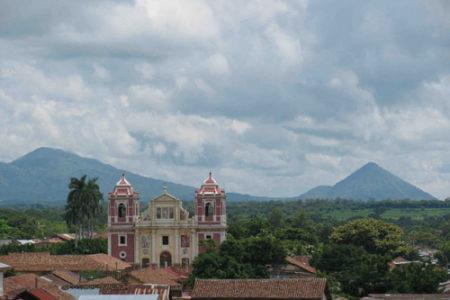 León, pasado colonial en Nicaragua