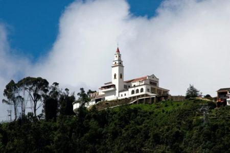 Desde lo alto del Cerro Montserrate, en Bogotá