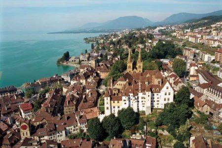 Neuchâtel, Suiza, escapada al Valle de los Relojes