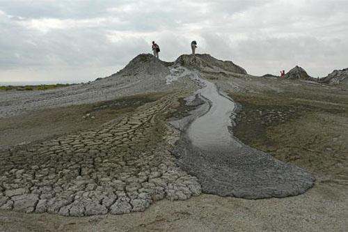 volcanes-de-lodo-en-gobustan