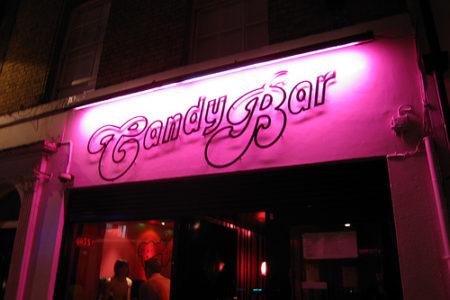 Guía de bares gay y lesbianas en Londres