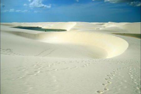 Las dunas y lagunas de Lencois Maranhenses, en Brasil