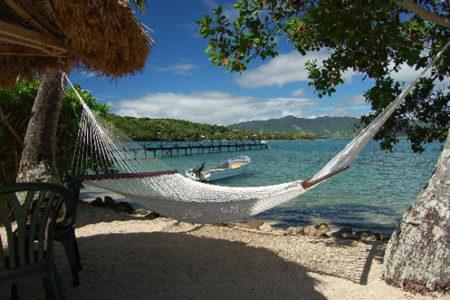 La Costa Sunshine, montañas y mar en las Islas Fiji