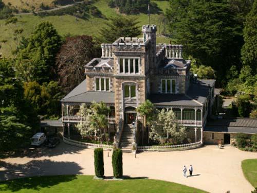 castillo-larnach