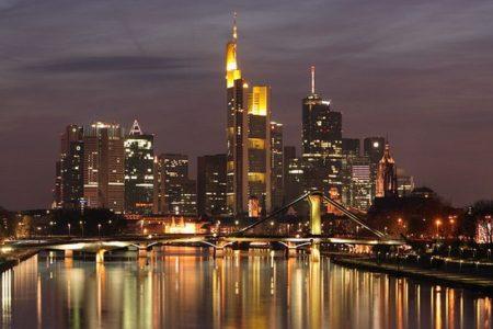 Frankfurt con niños, vuelos y hotel