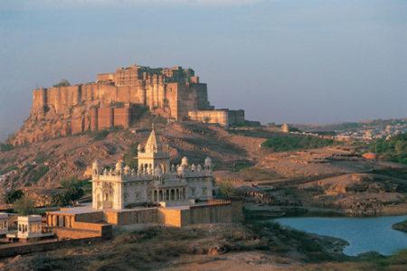 El imponente Fuerte Mehrangarh, en India