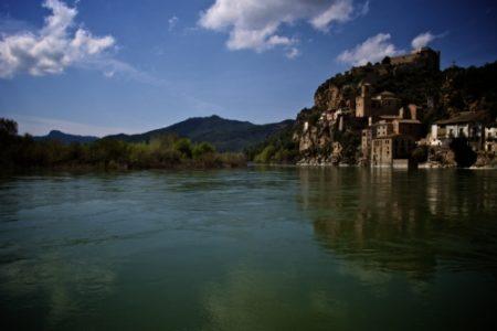 Descubrir Miravet, a orillas del Ebro