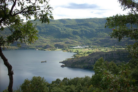 Visita el Lago de Sanabria y disfruta de la naturaleza