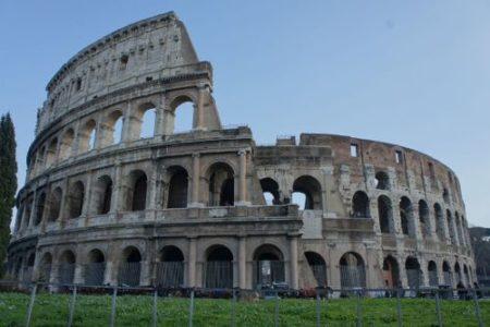 Grave deterioro del Coliseo de Roma
