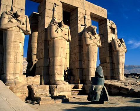 templo-mortuorio-de-ramses-ii